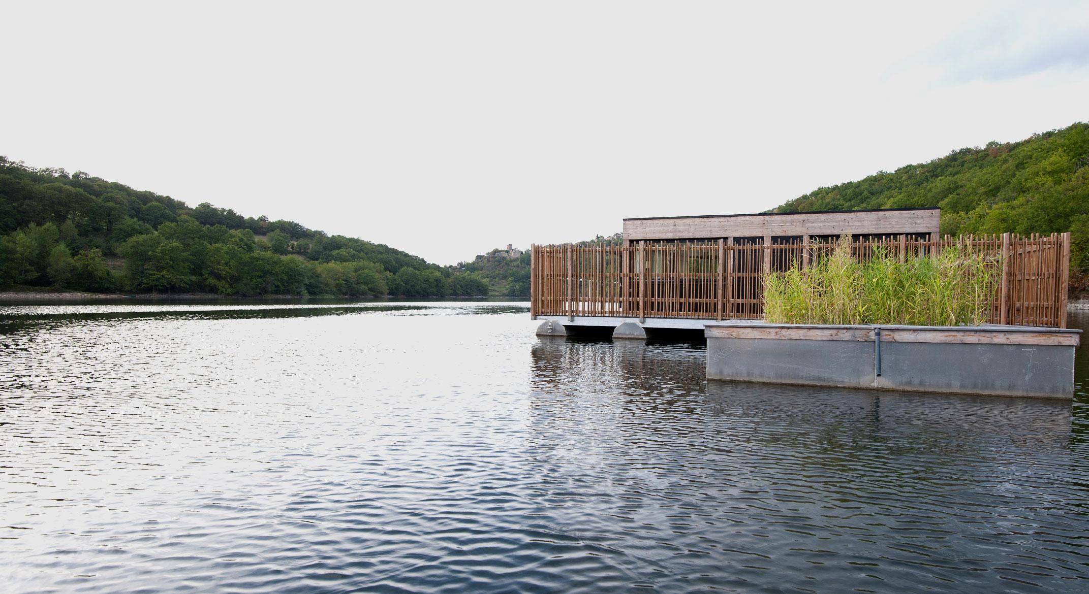 habitat flottant base nautique
